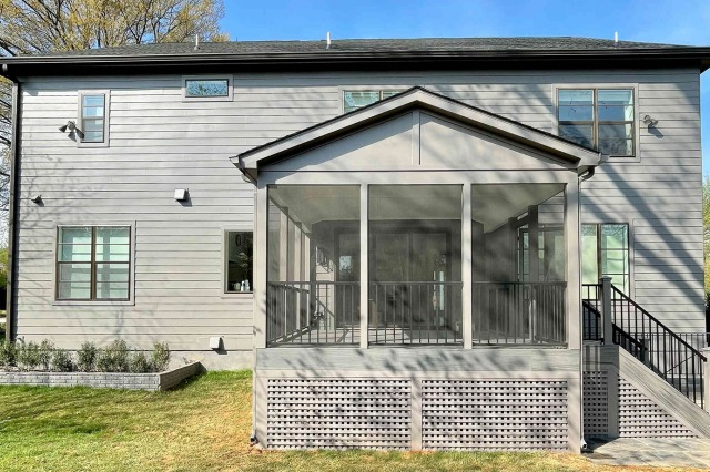 Screened-In Porch Building